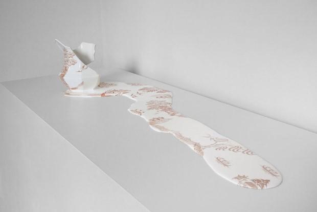 Livia Marin meni rozbity porcelan tekutym efektom na umenie 13