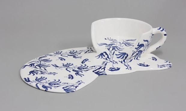 Livia Marin meni rozbity porcelan tekutym efektom na umenie 16