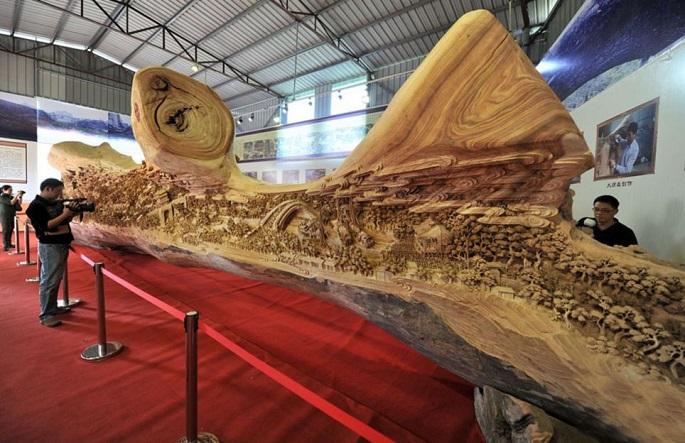 Zhen Chunhui najväcsie dielo vyrezane do dreva 2