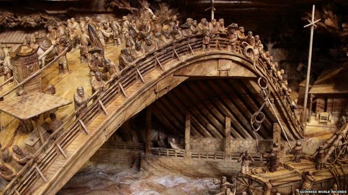 Zhen Chunhui najväcsie dielo vyrezane do dreva 3