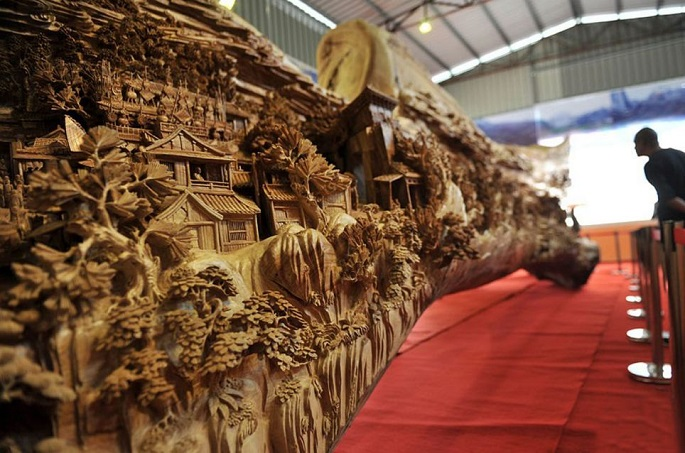 Zhen Chunhui najväcsie dielo vyrezane do dreva 5