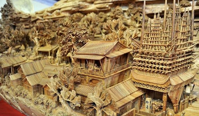 Zhen Chunhui najväcsie dielo vyrezane do dreva 7