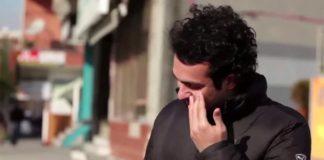 Ľudia z mesta sa potajme naučili posunkovú reč, aby prekvapili svojho nepočujúceho suseda